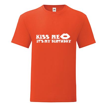 T-shirt Kiss me, it's my birthday-R01